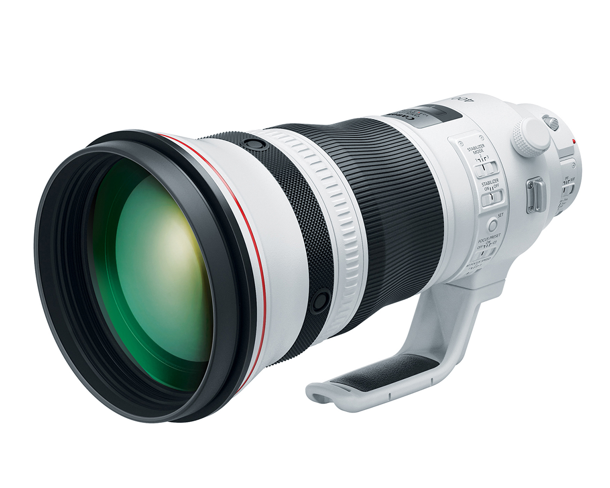 Front quarter view of EF 400mm f/2.8 L Mark III super telephoto lens